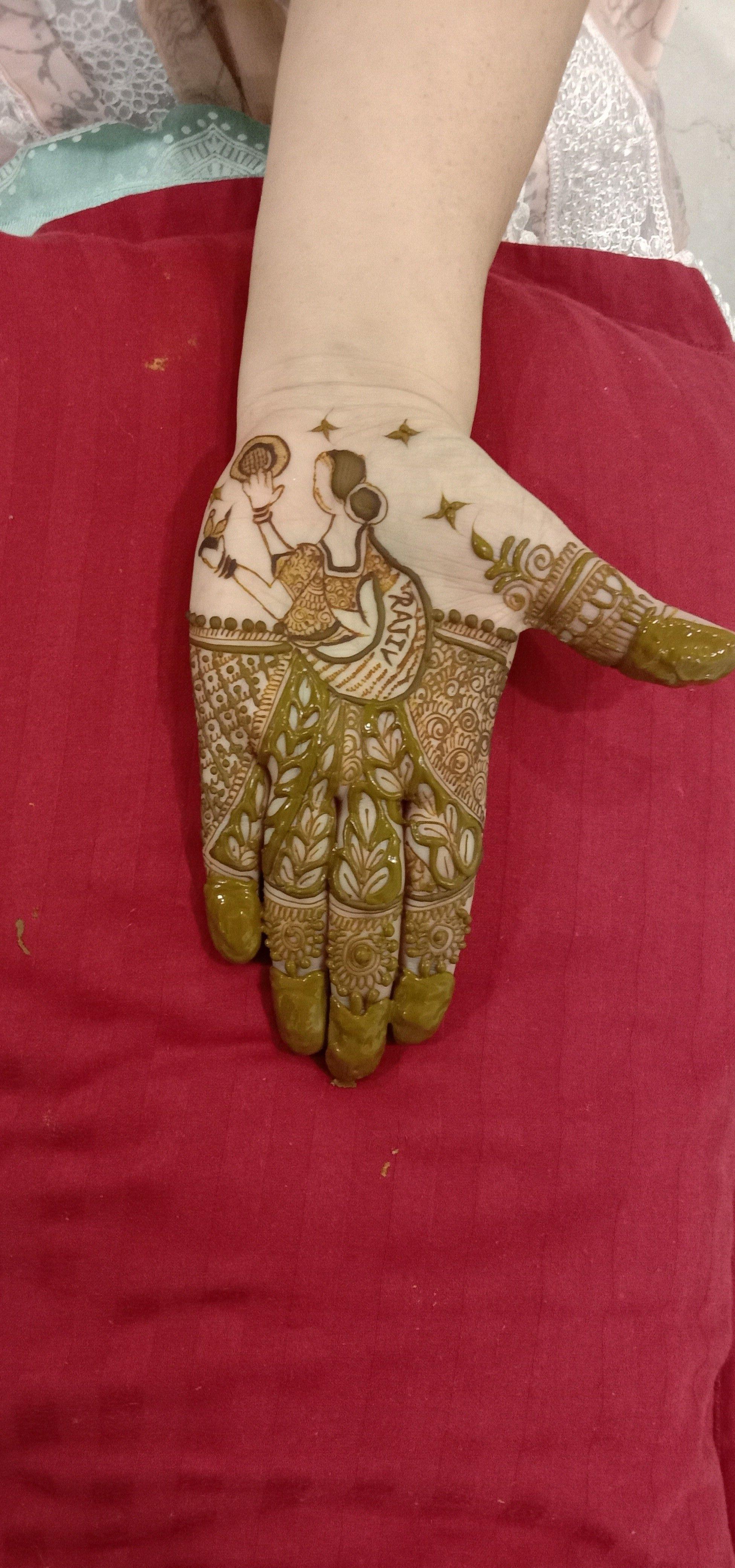 karwa_chauth_henna_artsits